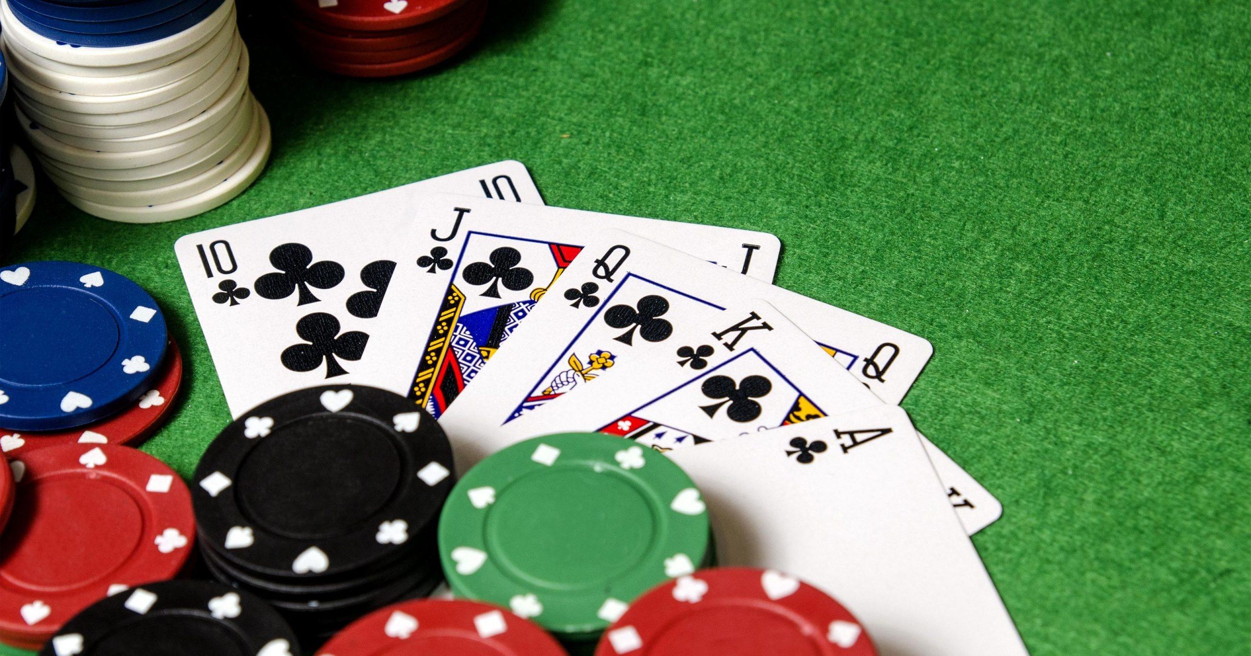 situs poker server