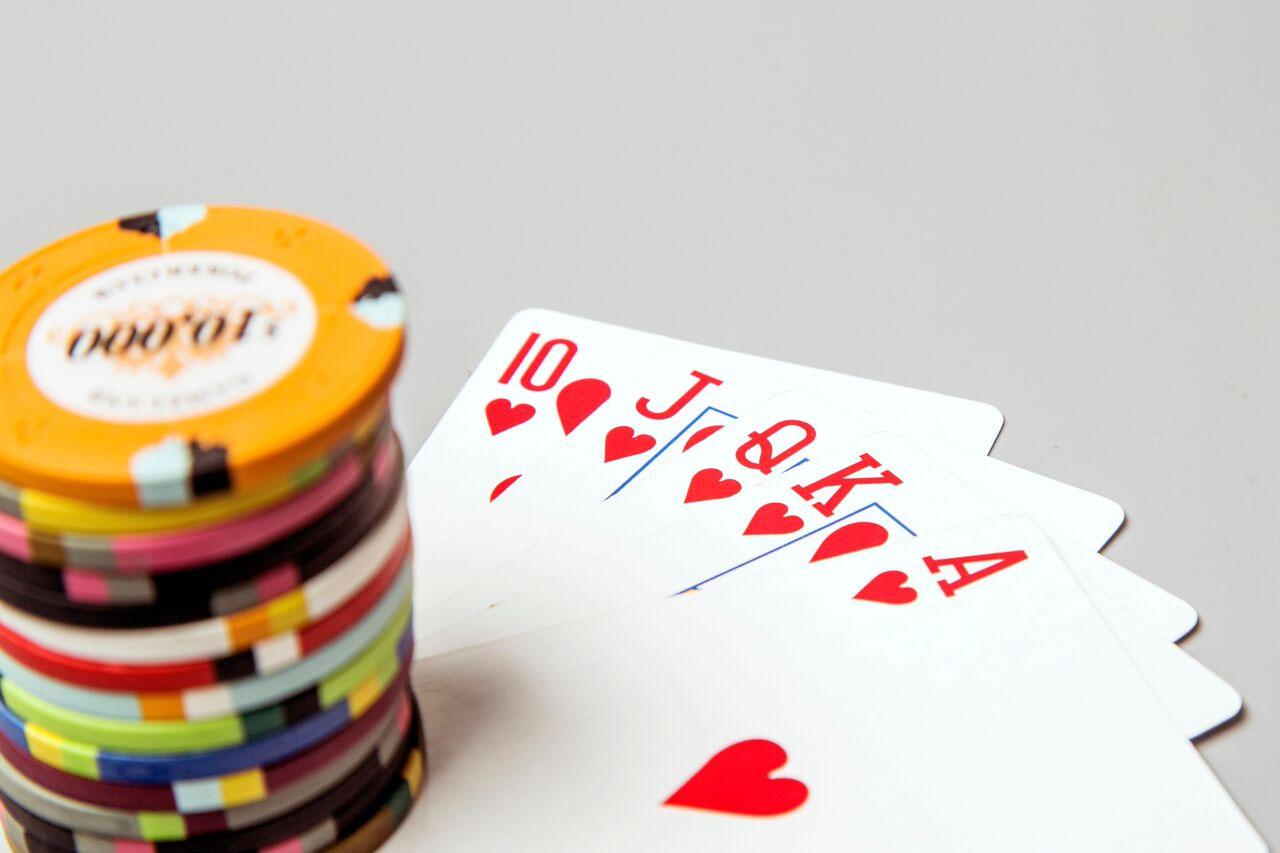 Mari kita menganalisis poker online Indonesia terbaik untuk asuransi